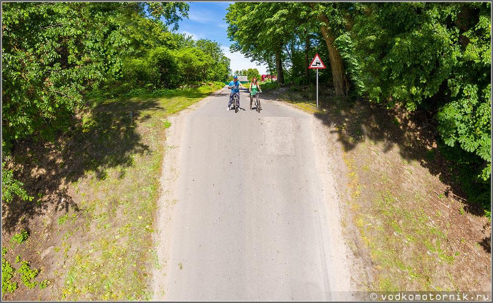 На высоком старте перед спуском по велобану