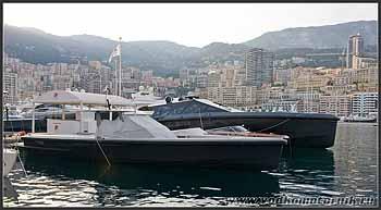 Водкомоторки в марине Монако.