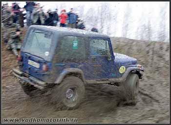 4x4 Jeep Wrangler разгон перед подъемом
