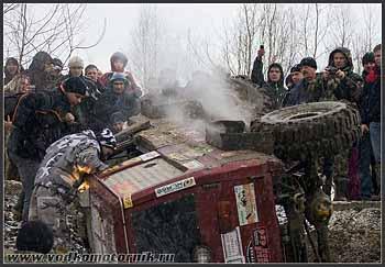Toyota 4x4 упал....