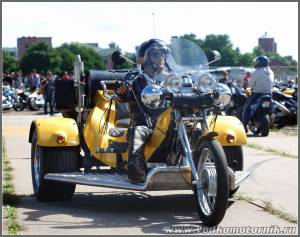 Трицикл жолтый Каунас