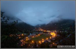 В Пиренеях смеркается...