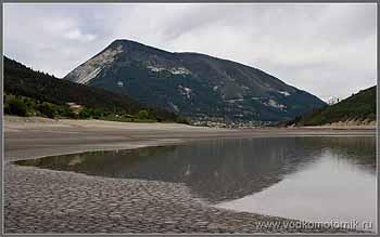 Французские Альпы. Озеро.