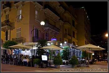 Монако. Ночь.