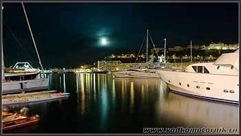 Марина Монако ночью.