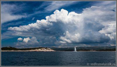 Хорватский берег - вид с яхты