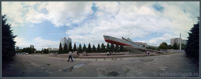 Калининград. Памятник морякам - катерщикам