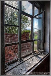 Замок Георгенбург - дубовое окно