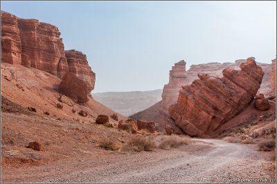 Казахстан. Въезд в Чарынский каньон