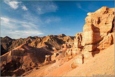 Казахстан - утесы Чарынского каньона