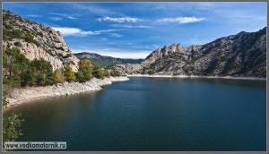 Водоем гидроэлектростанции в Пиренеях