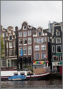 Амстердам - кривые дома повсюду