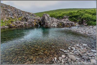 Исландия, Iceland - Придорожный водоем с чистой водой