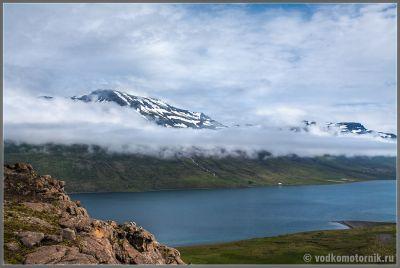 Исландия - фьерд перед Акуриери