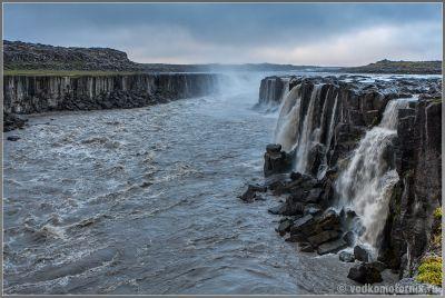 Исландия у водопада Hafragilsfoss