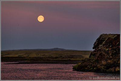 Исландия, Iceland - лунная летняя ночь