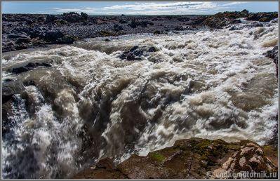 Исландия, Iceland - мутные и быстрые воды ледника