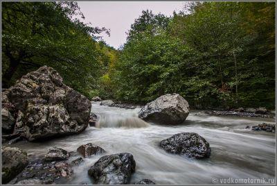 Грузия река Алазани внизу