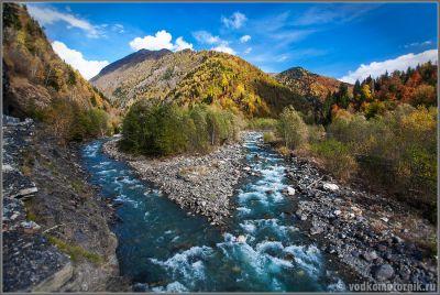 Слияние рек в горах Сванетии