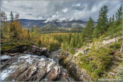 Водопад Красивый в Хибинах