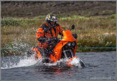 KTM берет брод в Исландии