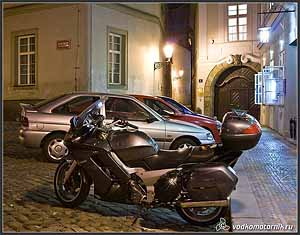 Ночная Yamaha FJR1300