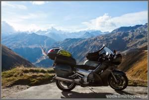 Yamaha FJR1300 на перевале