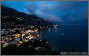 Ночной вид на Амальфитанское побережье