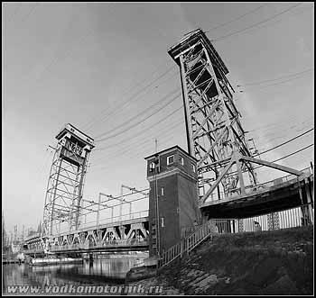 Двухярусный мост. Калининград. 2008г.
