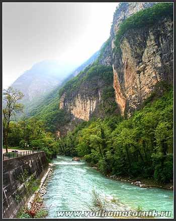 Река в Итальянских Альпах.