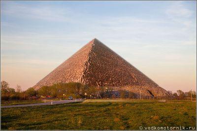 Строительство Калининградской пирамиды