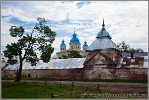 Коневецкий монастырь - вид сзади