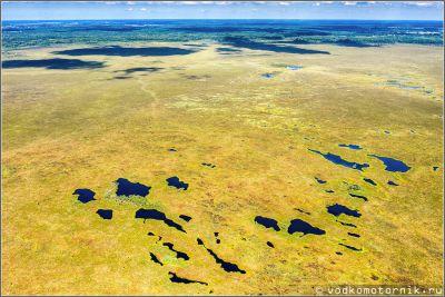 Озера на болоте Целау - аэросъемка