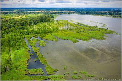Озеро в поселке Подгорное