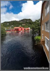 Река, эллинги, Норвегия.