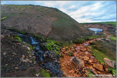Исландия. Рыжая и нерыжая река