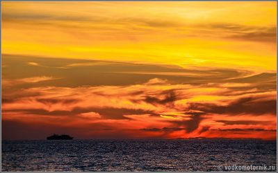 Закат  на черном море около Батуми