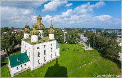 Каргополь - вид на Церковь Иоанна Предтечи с колокольни