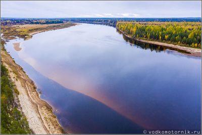 Песчаные берега и мели на реке Мезень