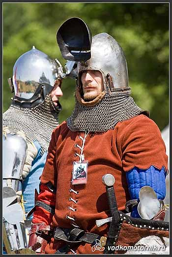 Рыцари перед битвой.