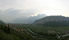 Вид на вечернее озеро Гарда (Garda).
