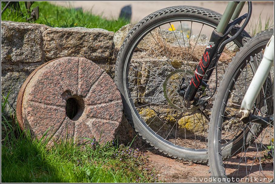 Древнее каменное колесо